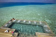 Bath Tube in Indian Ocean - Velassaru Maldives Resort