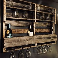 35 trendy ideas for home bar pallet wine glass Bar Pallet, Pallet Wine Rack Diy, Rustic Wine Racks, Pallet Signs, Pallet Patio, Pallet Furniture Wine Rack, Diy Wine Racks, Pallet Shelves Diy, Wine Storage