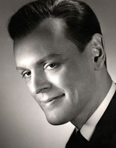 Leif Wager 1922-2002, he had a beautiful voice too and he sung in some films.