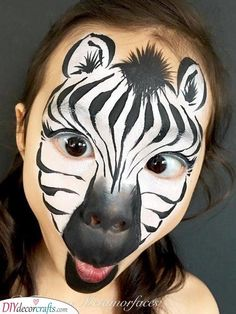 Are you in search of ideas for face painting for parties? Then check out our pick of 30 designs for face painting for kids! Face Painting Tutorials, Face Painting Designs, Paint Designs, Body Painting, Animal Face Paintings, Animal Faces, The Face, Face And Body, Zebra Face Paint