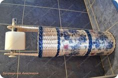Поделка изделие Декупаж Плетение Напольный держатель для туалетной бумаги №2  Картон Салфетки Трубочки бумажные фото 2
