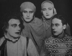 Gustaf Gründgens, Erika Mann, Pamela Wedekind, and Klaus Mann, 1925.