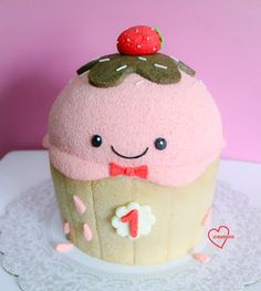 Susanne Ng, a baker, creates stuffed animal cakes. Made with chiffon cake, a type of fluffy cake, the desserts look like edible plush toys! Chocolate Chiffon Cake, Giant Ice Cream, Cake Pop Molds, Light Cakes, Animal Cakes, Giant Cupcakes, Sponge Cake, Cake Tutorial, Cute Cakes