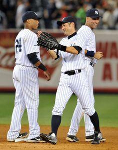 Derek Jeter Photos Photos - New York Yankees v Chicago White Sox - Zimbio