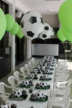 Today you will learn to organize and decorate the best children's party with a soccer theme, because we attach an idea for every detail. Decoration of a Soccer Birthday Parties, Football Birthday, Sports Birthday, Soccer Party, Birthday Party Decorations, Birthday Ideas, Kids Sports Party, Balloon Decorations, Party Favors