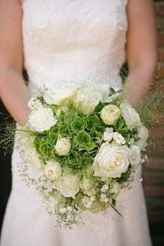 © Memory Wedding Tuscany Daniela & Danilo - Elegant Wedding in Tuscany . #weddingbouquet