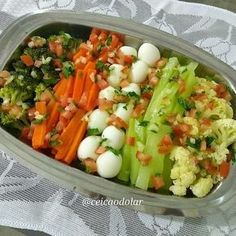 dieta low carb o que comer a tarde Carbohydrates Food List, Vegetarian Recipes, Healthy Recipes, Salad Recipes, Good Food, Veggies, Food And Drink, Healthy Eating, Low Carb