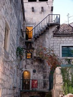 """""""Marco Polo's house/tower"""" by TravelPod blogger newsuzi from the entry """"Korcula - the birth place of Marco Polo"""" on Thursday, July  1, 2010 in Korcula Town, Croatia"""