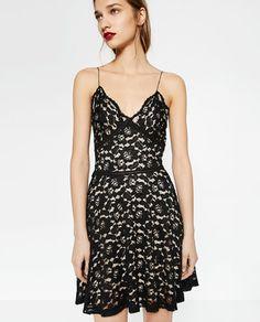 VESTIDO LADY LACE de Zara 19,99 EUR
