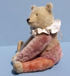 Teddy Bear Hug, Old Teddy Bears, Needle Felted Animals, Felt Animals, Charlie Bears, Hug Me, Old Friends, Art Dolls, Goodies
