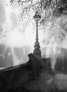 vintage everyday: Awesome Black-and-White Photos of London Fog from between the 1910s and 1950s