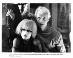 Fotografía de noticias : Daryl Hannah and Rutger Hauer in a scene from the...