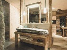 Hotelzimmer woodenstyle: Zirbenholz, viel Gemütlichkeit, Felsendusche, Natursteinwaschbecken, gratis-WLAN
