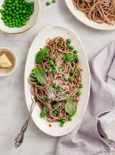 Sesame Basil Soba Noodles / loveandlemons.com