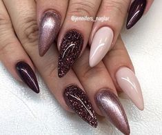 This year, nude nail designs are becoming a trend. Here are some nude nail designs. Hot Nails, Nude Nails, Pink Nails, Hair And Nails, Acrylic Nail Designs, Nail Art Designs, Acrylic Nails, Gorgeous Nails, Pretty Nails