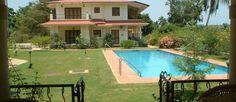 Sweet Mango, Candolim - Shared residents pool near the villa