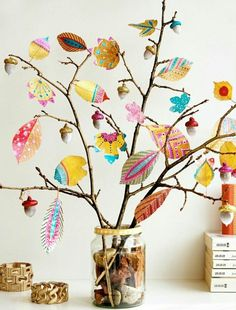 Inspiration - Bunte Herbstdeko selber machen *** Autumn Inspiration DIY with painted leaves Twig Crafts, Leaf Crafts, Nature Crafts, Diy And Crafts, Craft Projects, Crafts For Kids, Arts And Crafts, Paper Crafts, Wood Crafts