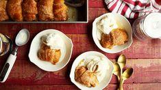 Recipe of the Day: Apple Dumplings Save the recipe 👍 Apple Dumpling Recipe, Apple Dumplings, Apple Desserts, Dessert Recipes, Recipes Dinner, Halloween Desserts, Halloween Treats, Pumpkin Whoopie Pies, Mountain Dew