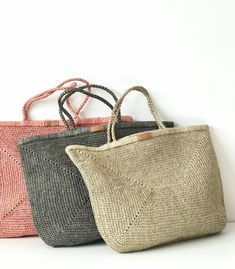 Handmade Accessories, Fashion Accessories, Ecology Design, Knitted Bags, Handmade Bags, Lana, Straw Bag, Knitting Patterns, Pouch