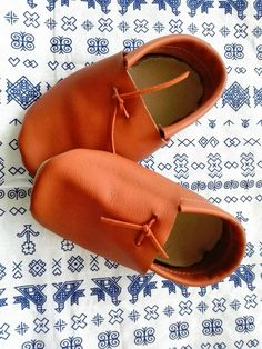Recycled unisex leather mocs