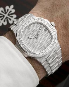 [Patek Philippe] Big boy Patek, make a pattern with the wrist. Big stones, baguette the fist 👊🏻💎 Swiss Army Watches, Expensive Watches, Fitness Gifts, Patek Philippe, Beautiful Watches, Elegant Watches, Seiko Watches, Luxury Watches For Men, Cool Watches