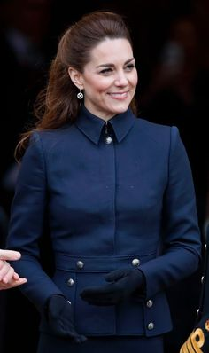 The Duchess of Cambridge has recently swapped her signature bouncy blow dry for a half-up hairstyle - and a stylist has explained why the updated look is perfect for a busy working mother. Princess Kate, Princess Charlotte, Queen Kate, Duke And Duchess, Duchess Of Cambridge, William Kate, Prince William, Kate Middleton Style, Working Mother