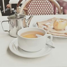 Breton' tea time