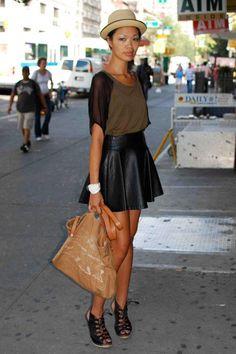 Falda circular de cuero