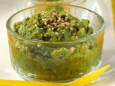 Erbsen-Kartoffelpüree mit Sesam ist ein Rezept mit frischen Zutaten aus der Kategorie Hülsenfrüchte. Probieren Sie dieses und weitere Rezepte von EAT SMARTER!