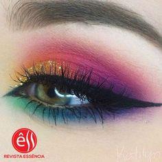 Maquillaje del día #revistaessencia #moda #beautiful #followme #follow4follow #girls #makeup #makeuptutorial #hairstyle #felizlunes#girl #maquillaje #ultimamoda #tutorials VIP #stylish #fashionable #fashion #style #fashionaddict #stylelover #fashionable #beauty #dressup #slay #styleinspiration ##glitz #glam #glitzandglam #celebrity #celebritystyle