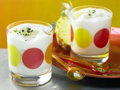 Kokos-Soja-Mix - mit Ananas und Pistazien - smarter - Kalorien: 149 Kcal - Zeit: 5 Min.   eatsmarter.de