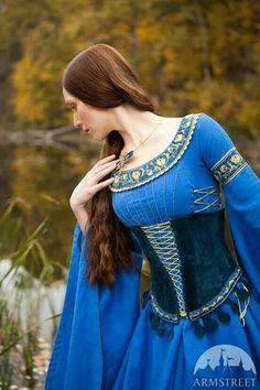 Via: mulheres medievais