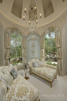 An eloquent Boudoir for the woman with style and grace