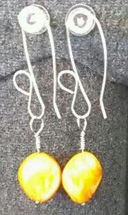 Orange Shell w/ 20g wire earrings