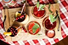 Holiday Hosting | Cocktail Recipes (www.sportsanista.com)