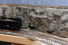 Ho Scale Shelf train layout rock formations. | by shutdelite