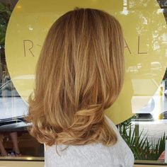 Beach babe Blondes created using Wella's Blondor and Koleston Perfect. Full head of fine foils alternated with different colour mixes for variation. Finished off with the Kevin Murphy YOUNG.AGAIN  treatment, layered cut & bouncy blowdry 😀  @wellapro @lovekevinmurphy   #theradicalhairdesign #hairbyjesssafajou