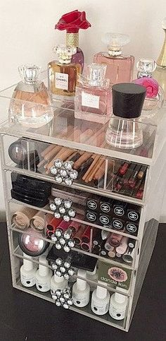 Acrylic Makeup Organizer 5 Drawers The Beauty Cube (How To Make Makeup Storage) Rangement Makeup, Make Up Storage, Storage Ideas, Vanity Room, Vanity Mirrors, Glam Room, Makeup Rooms, Diy Makeup, Ikea Makeup