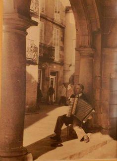 Compostela  1960 - Rúa do Vilar - Foto de Ramón Sánchez Estalote