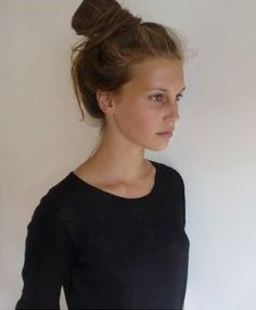 Marine Vacth is a French actress and model ⭐️⭐️⭐️⭐️🌹 Kate Moss, Hair Inspo, Hair Inspiration, Long Wavy Hair, French Girls, Hair Blog, Just Girl Things, Stunningly Beautiful, Messy Hairstyles