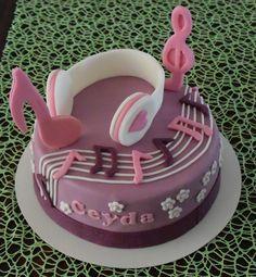 Violetta Cake Torte Musik                                                                                                                                                                                 Mehr