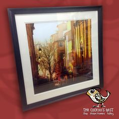 Another frame using the black Mantilla frame, this time housing a wonderful warm photo of a French town. The detail in this picture is superb, you could look into it for hours and the overall effect is so vibrant. A double mount finishes it all off. Gorgeous :-)
