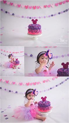 Minnie Mouse Cake Smash - 1st birthday cake smash photography session