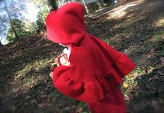 The Modest Homestead: Little Red Riding Hood Costume {Tutorial} - This would be easy without the lining & ruffles Red Riding Hood Costume Kids, Tinker Bell Costume, Tie Matching, Costume Tutorial, Dress Up Costumes, Costume Ideas, Red Hood, Neck Piece, Halloween Costumes For Kids