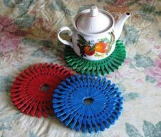 Teapot Mat from wooden clothespegs - also could be star decorations