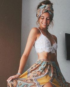 HIPPIE WORLD on Boho queen . Photo via yxcvanessa . Please check out the link in… - hippie style Boho Outfits, Hippie Chic Outfits, Cute Casual Outfits, Fashion Outfits, Casual Dresses, Summer Outfits, Hippie Style Clothing, Fashion Hacks, Swag Fashion