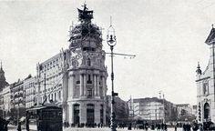 ¡A ver si terminan pronto este edificio, dicen que será de los más bonitos de #Madrid! (Foto de 1910) #FelizDomingo