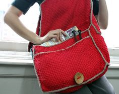 I need someone to make this for me! Link to free loom-woven pattern for Woven Courier Bag.