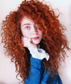 Parece a Mérida ❤👑@espairecida Turquoise Hair, Teal Hair, Lilac Hair, Yellow Hair, Pastel Hair, Burnt Orange Hair Color, Merida Hair, Brazilian Hair Bundles, Lavender Hair