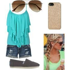 Ok so this is more of a summer/spring outfits but it's still like great to wear for a hot day!! #cruiseoutfits